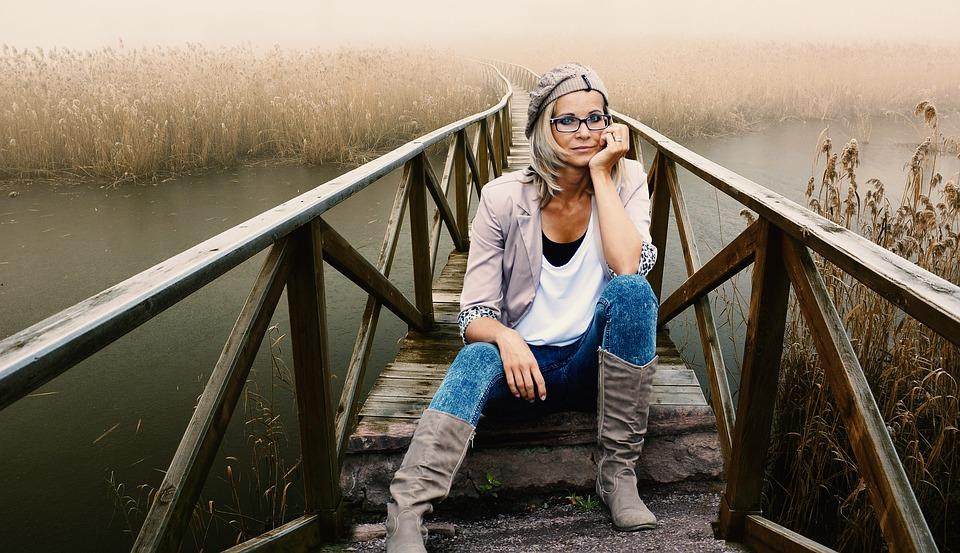 Les lunettes en bois sont à la mode